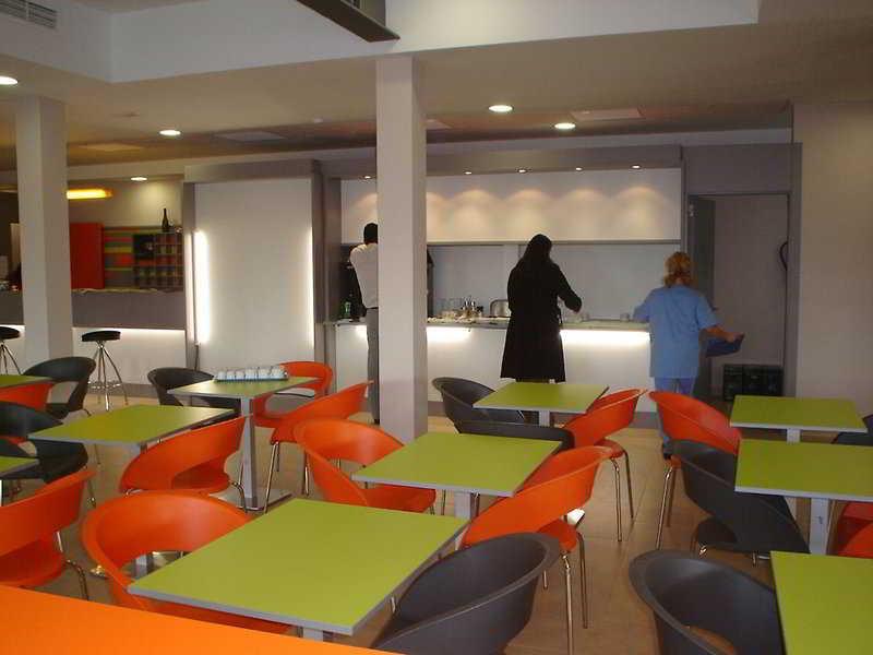 Hotel Barato En Valencia-Airport