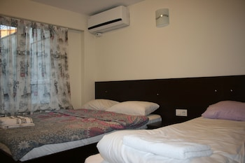 Mete Apartments