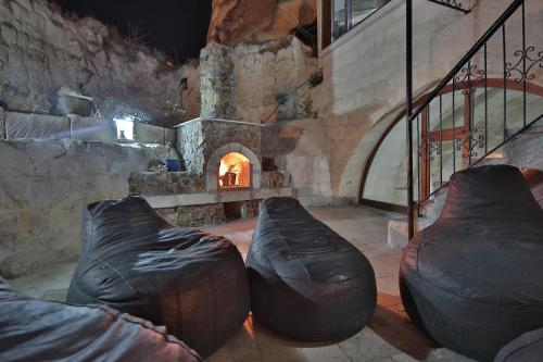 View Cave Hotel