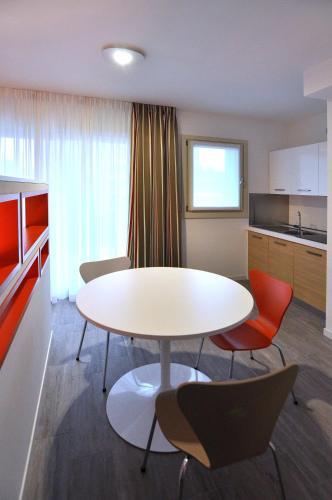 Bb Hotels Aparthotel Visconti